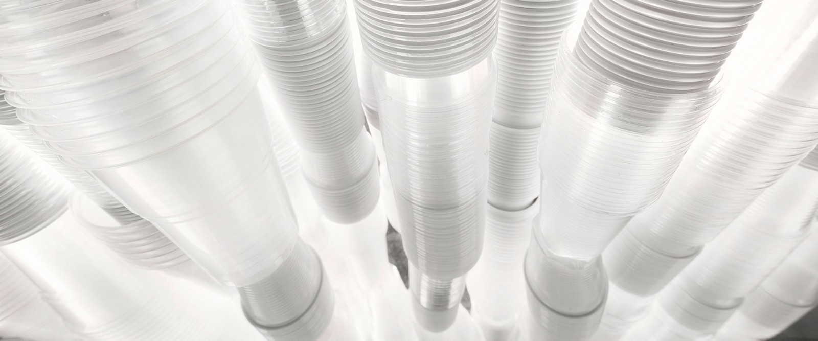 glasswall-francesca-pasquali-plastic-cups-cubo-unipol